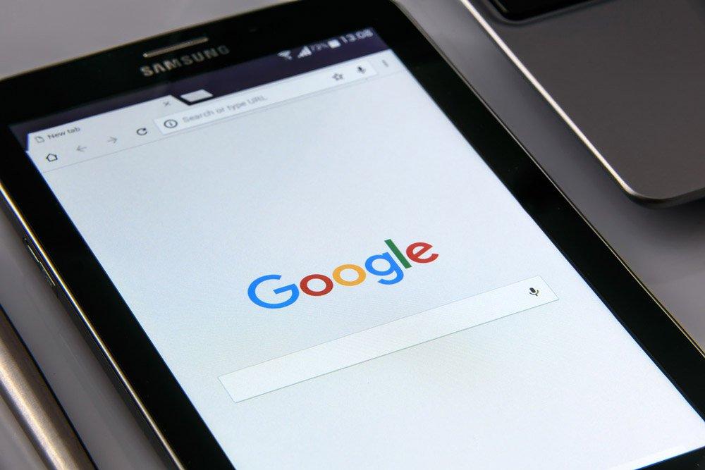 il 50% delle ricerche su google non generano traffico.